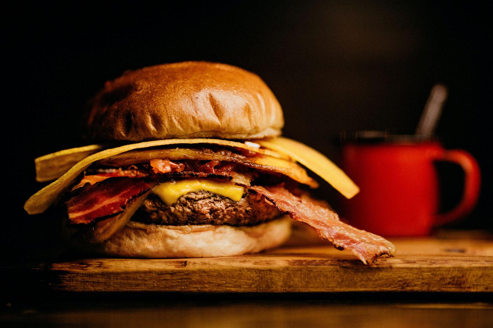 ham-and-bacon-burger-2983098.jpg